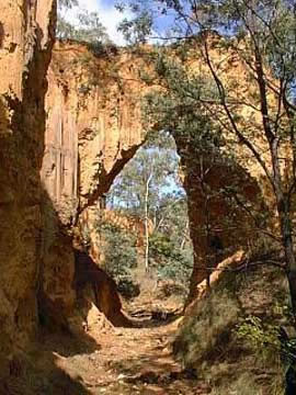 Golden Gully Arch